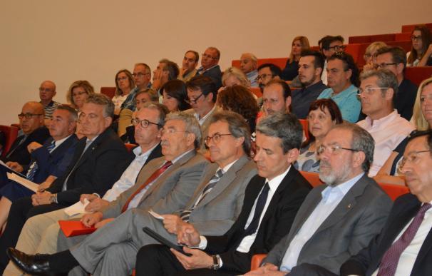 Mas dice que Rajoy intoxica y desinforma a los catalanes para que no voten en el referéndum