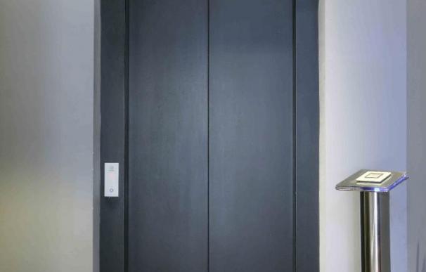 Schindler instala el primer ascensor movido por energía solar que ahorrar hasta un 50% en consumo