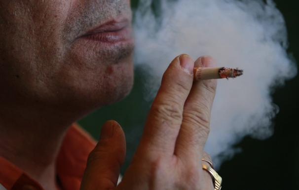 El número de fumadores habituales en la Comunitat Valenciana desciende un 12% en los últimos 15 años