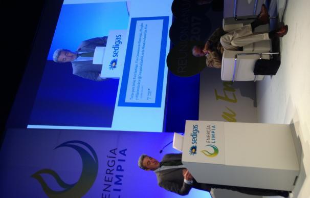 La Comunidad de Madrid apuesta por la entrada de gases combustibles menos contaminantes en el transporte