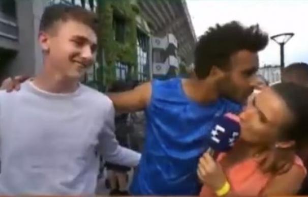 Maxime Hamou, expulsado por acosar a una periodista