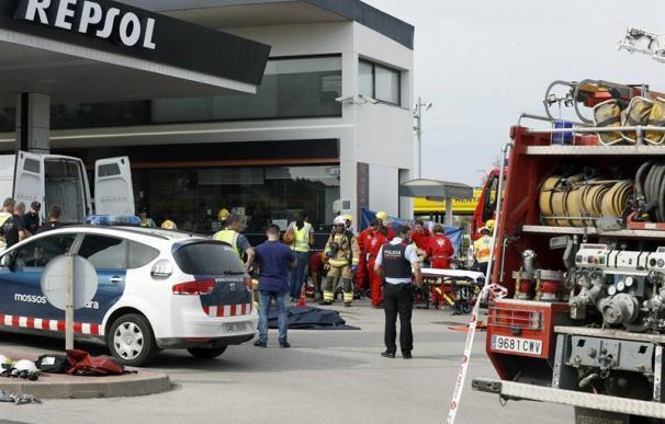 Un muerto y un herido grave en la explosión de una gasolinera de Sant Sadurní d'Anoia