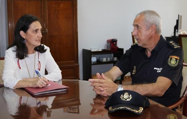 Un equipo de la Unidad de Caballería de la Policía Nacional acompañará a las hermandades de Emigrantes y Huelva