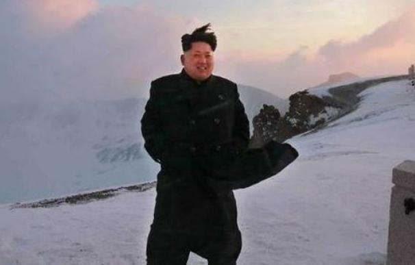 Kim Jong-Un sube a la cima más alta de Corea del Norte