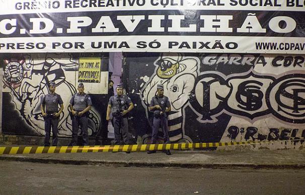 La Policía toma la sede del grupo ultra Pavilhão Nove