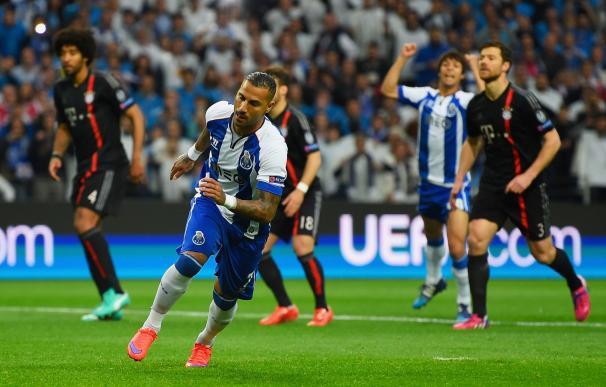 El Oporto pone contra las cuerdas al Bayern