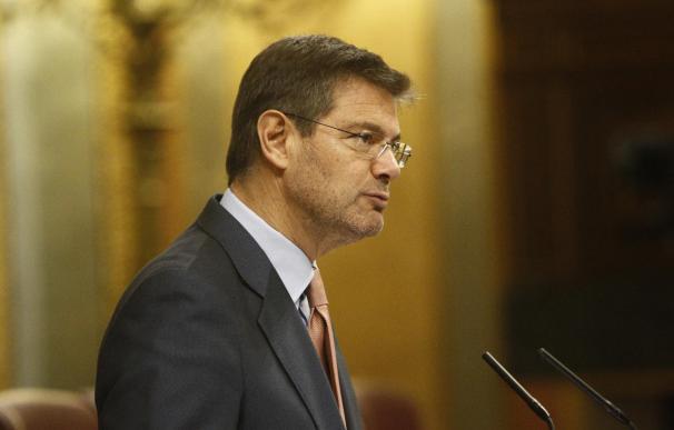 Catalá defiende en el Congreso limitar los plazos de instrucción y la oposición le reprocha que no aporta medios