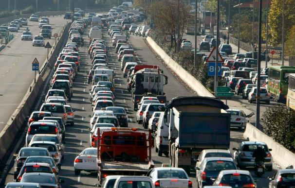 Madrid, ciudad con más horas perdidas en atascos aunque mejora su congestión