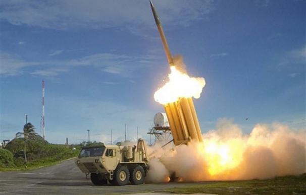"""China pide """"cautela"""" a Japón por las sospechas de que podría desplegar un sistema antimisiles con ayuda de EEUU"""