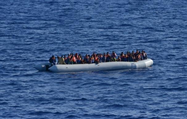 La fragata española 'Canarias' ha rescatado ya a más de 3.000 migrantes en su misión en el Mediterráneo
