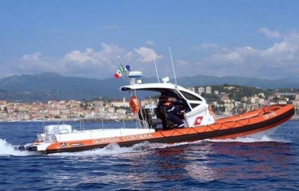 Rescate de los inmigrantes en aguas italianas