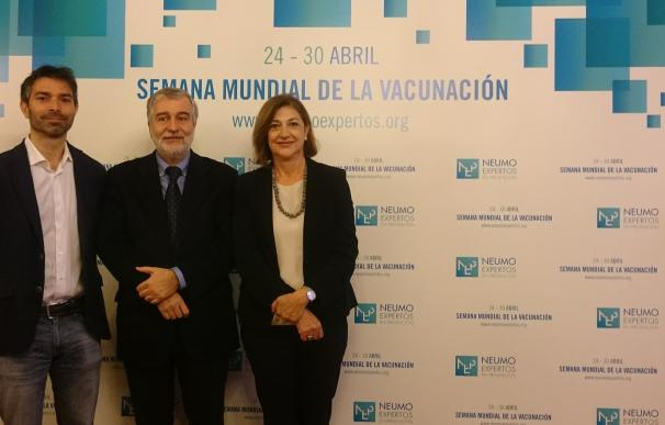 Neumoexpertos piden un calendario vacunal único para aumentar la protección en adultos frente a diferentes enfermedades