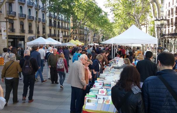 Los libreros facturaron un 3% más en Sant Jordi, alcanzando los 20,96 millones