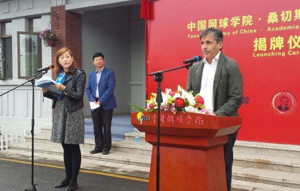 Emilio Sánchez Vicario y Sergio Casal abren una academia en China