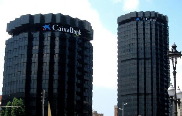 CaixaBank gana 273 millones hasta marzo, un 22,7% menos por la integración de Barclays
