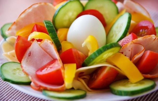 Con una buena alimentación pueden reducirse un 80% las posibilidades de padecer una gastronteritis en verano