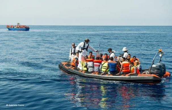 Libia.- El barco 'Phoenix' de MSF rescata a 201 personas en el Mediterráneo