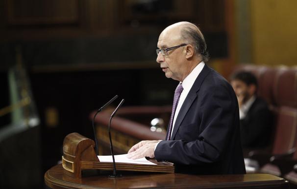 El ministro de Hacienda, Cristóbal Montoro, ayer en el Congreso.