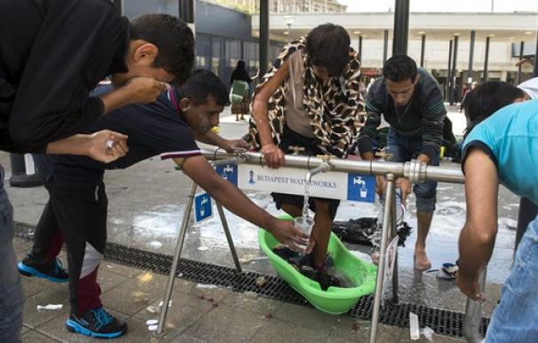 La estación Nyugati, en el corazón de Hungría, empieza a ser un campo de refugiados