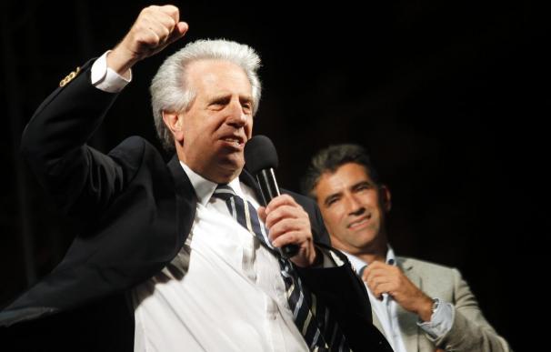 Vázquez será presidente uruguayo por segunda vez y promete no defraudar