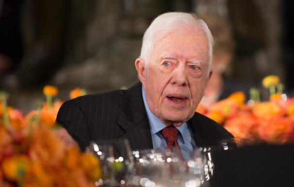 """Jimmy Carter destaca el """"compromiso"""" de Chávez con la mejora de vida de los venezolanos"""