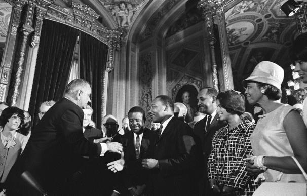EEUU.- Obama conmemora el 50 aniversario del fin de la discriminación racial en las elecciones de EEUU