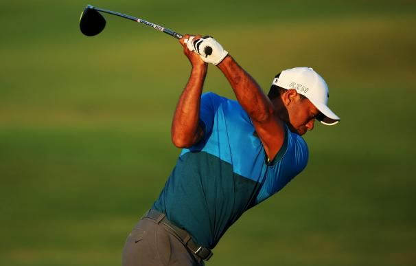 SHEBOYGAN, WI - AUGUST 15: Tiger Woods of the Unit