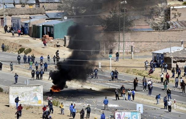 Los mineros bolivianos secuestran y asesinan al viceministro del Interior