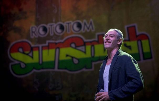 El artista Matisyahu durante su actuación anoche en el festival Rototom/ AFP