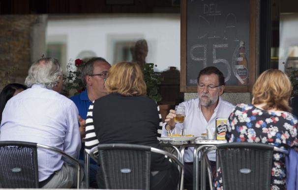 """Rajoy: el Gobierno hará """"todo lo necesario"""" para resolver la crisis láctea sin incumplir la normativa europea"""