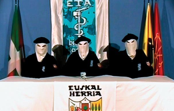 Los asesinos de ETA reciben más de 1.000 homenajes al año en las redes sociales