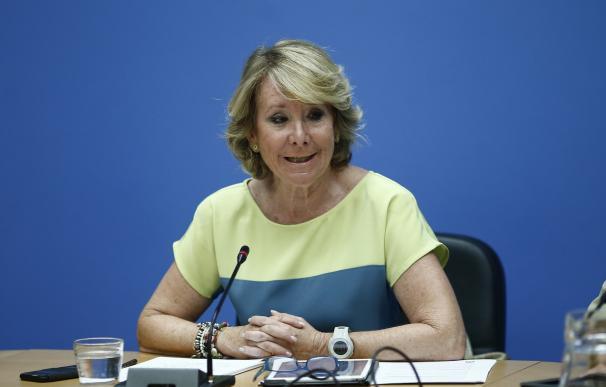 """Aguirre cree que Carmona """"a lo mejor está arrepentido de no ser alcalde"""" y ve """"claro"""" que hay guerra interna en el PSOE"""