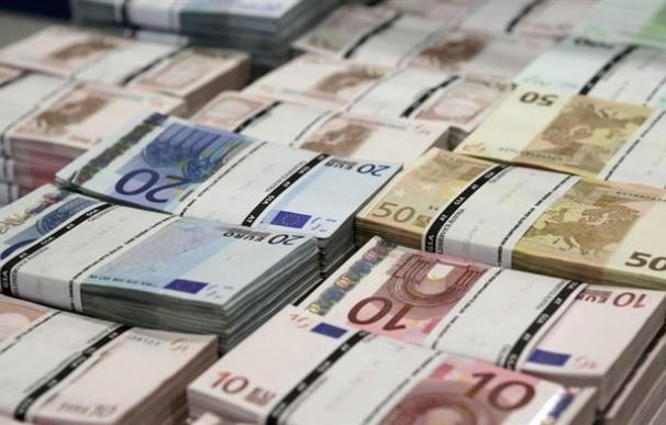 El Tesoro coloca 3.495 millones en bonos y obligaciones a tipos más bajos