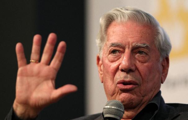 Vargas Llosa dice que una sociedad libre debe ser una sociedad de lectores