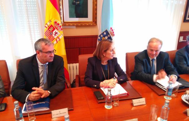 """Pastor destaca """"la importancia"""" de la licitación para construir el acceso ferroviario al puerto exterior de Caneliñas"""