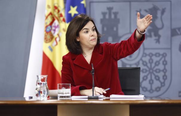 El Gobierno niega que el PSOE pueda criticar el déficit después de dejarlo en el 9% en 2011
