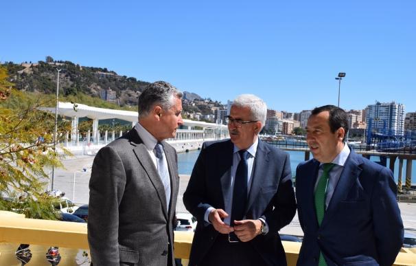 """La Junta intentará que el hotel del puerto """"pueda salir lo más pronto posible"""""""