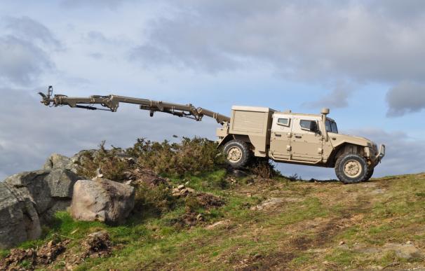 Los vehículos blindados podrán contar con un nuevo brazo robotizado para la desactivación de artefactos explosivos