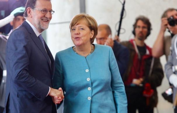 """Rajoy subraya en Berlín su apoyo al libre comercio y pide """"claridad contra el proteccionismo"""""""