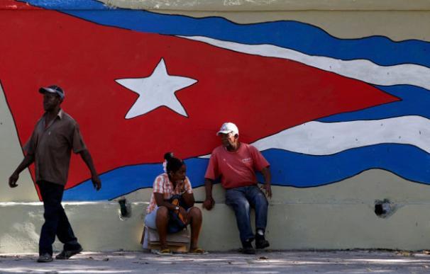 El salario medio mensual en Cuba fue de 29,6 dólares el año pasado (Foto: Enrique de la Osa / EFE)