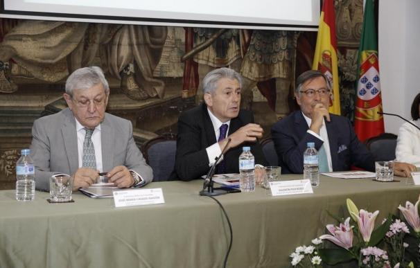 Los economistas de España y Portugal defienden el establecimiento del mismo huso horario en la Península