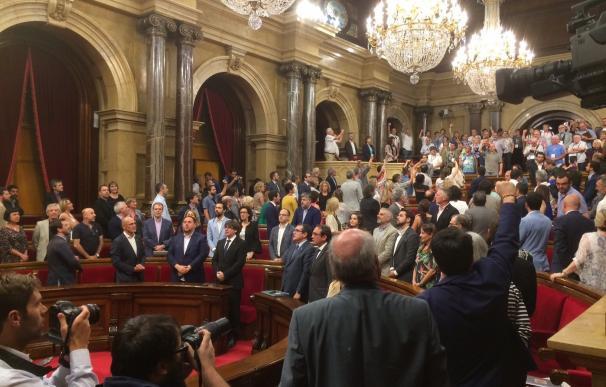 El Parlament declara ilegales por unanimidad los consejos de guerra franquistas