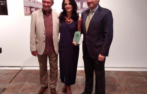 Ana Vives dedica el Premio Huelva de Periodismo al personal de la cuarta planta del hospital Juan Ramón Jiménez
