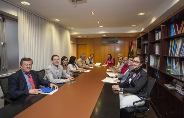 """Salud aporta con 215.828 euros para el """"imprescindible trabajo"""" de las asociaciones de pacientes"""