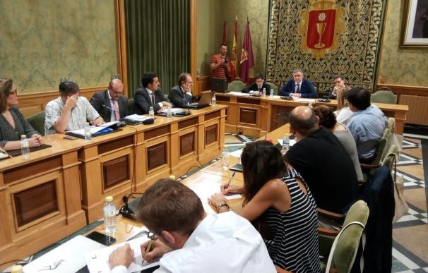 Mariscal anuncia que los interinos del Ayuntamiento de Cuenca verán consolidada su posición