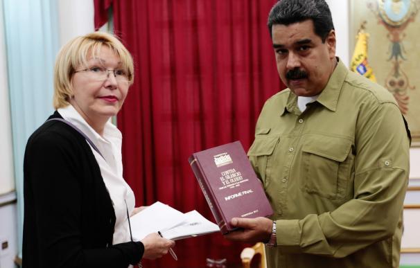 El régimen de Maduro prohíbe salir de Venezuela a la fiscal general, Luisa Ortega