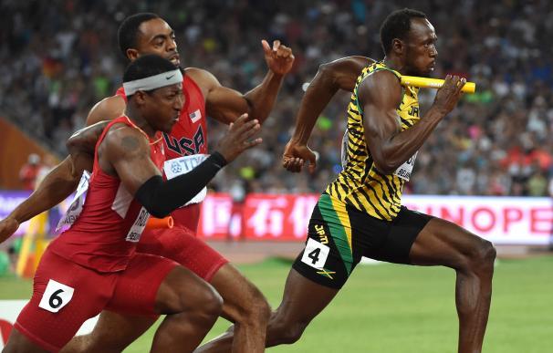 Bolt en la prueba de relevos 4x100 (Mundial de Pekín)