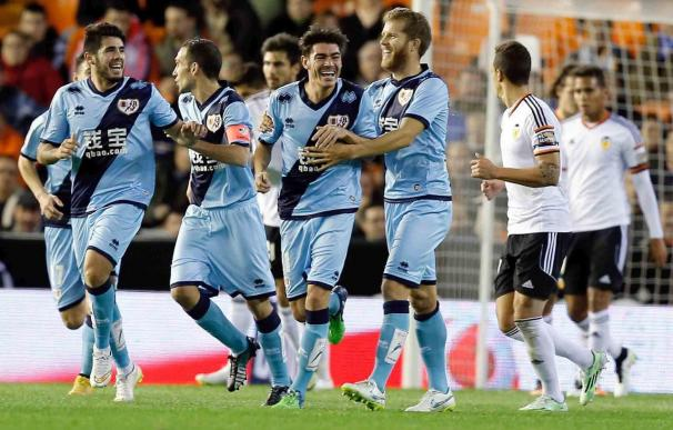 4-4. El Valencia reacciona a tiempo en un partido de locura