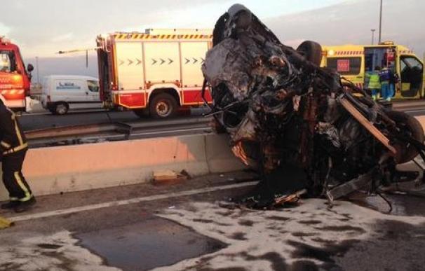 Un conductor kamikaze muere en un brutal accidente en la A-4 en Pinto