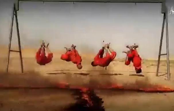 Los yihadistas difunden un video en el que queman vivos a cuatro soldados iraquíes